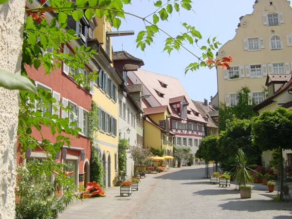 singles meersburg Holiday flats haus burgund, meersburg in bodensee - 2 persons, 1 bedroom the bright and quiet maisonette apartment is ideal for single travelers.