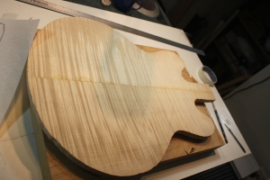 ... Flame Maple ES335 top that never made it ...