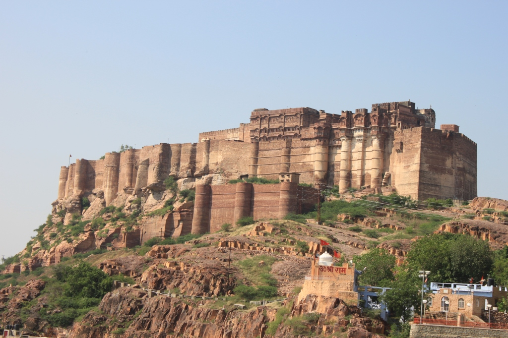... the imposing Mehrangarh Fort ...