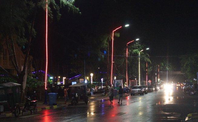 Kampot street night